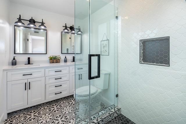 Désencombrer sa salle de bain en 5 étapes